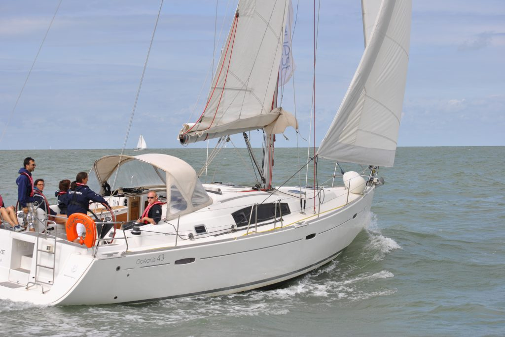 Affrètement coque nue Benetau Oceanis 43 à Nieuwpoort zeilboot huren Nieuwpoort België