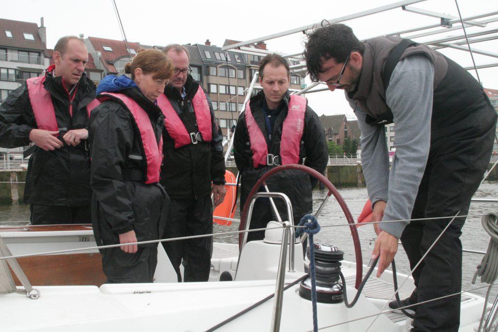 Zeilen bedrijfsuitje teambuilding Nieuwpoort