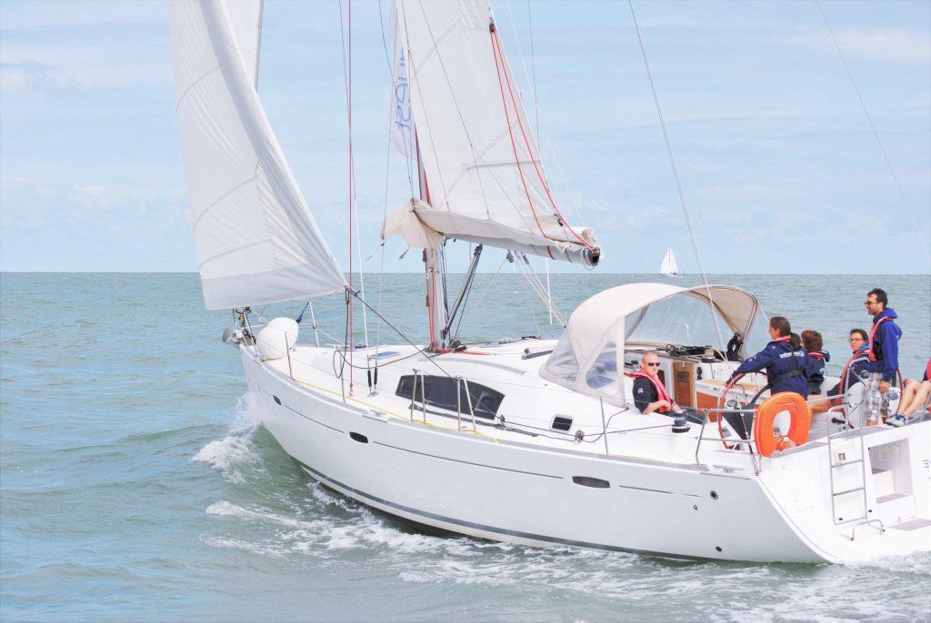 Louez un voilier avec skipper à Nieuport, Belgique zeilboot huren Nieuwpoort België