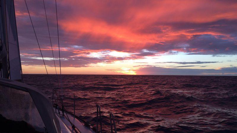 Zeilen zonsondergang nieuwpoort